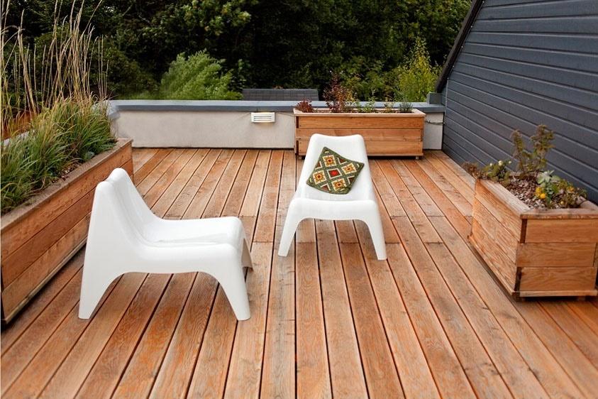 Co wybrać na taras: deski drewniane czy kompozytowe. Wybieramy deski tarasowe
