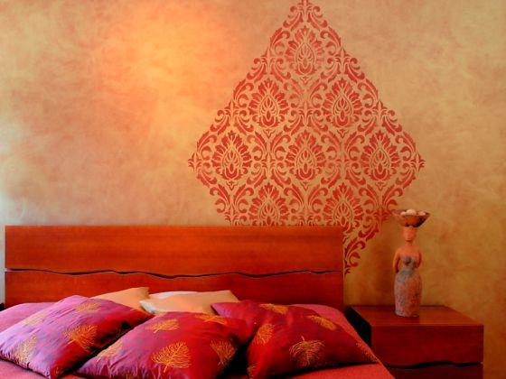 Ściana z ornamentem