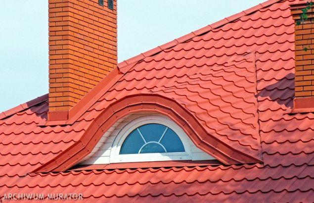 Dach z blachy: kolejność prac przy montażu pokrycia