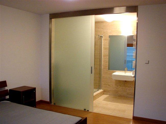 Drzwi przesuwne w łazience