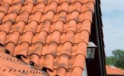 Dachówki ceramiczne - 8 częstych pytań o ceramiczne pokrycie dachowe