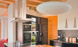 Prawidłowa wentylacja połączonych pomieszczeń: jak montować wyciąg, czy poprawi on wentylację