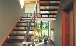 Szybkie stopnie - wybieramy schody gotowe z drewna i metalu