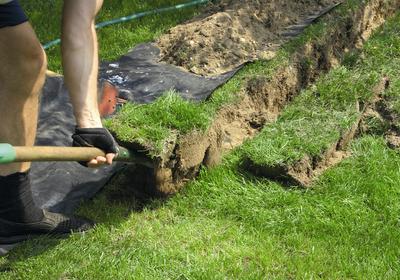 Jak układać instalację elektryczną w ogrodzie?