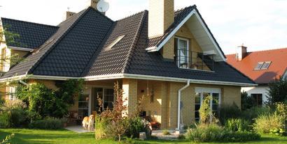 Z czego budować ściany? Jakie materiały zabezpieczą dom przed wilgocią i utratą ciepła?