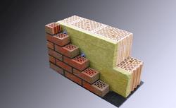 Budowa ściany trójwarstwowej z elewacją klinkierową. Zasady i wymagania