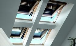 Markizy i rolety do okien dachowych