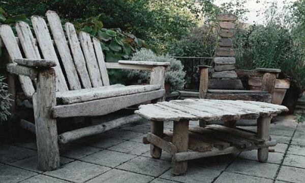 Jak Zrobic Meble Ogrodowe Z Drewna Projekty : Meble ogrodowe z postarzanych desek ZRÓB TO SAM Jak zrobić meble